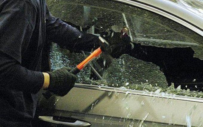 У Києві стався інцидент з машиною східного посла: з'явились подробиці