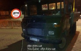 Под Киевом пьяная компания на грузовике устроила дебош: опубликованы фото