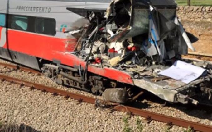 У Бельгії зіткнулися поїзди, є загиблі і десятки поранених: відео з місця аварії