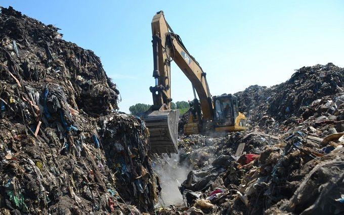 Пригоди львівського сміття: з'явилася дуже смішна фотожаба