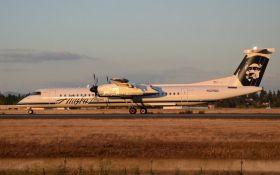 Из аэропорта США угнали пассажирский самолет: появилось видео погони истребителей ВВС