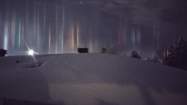 У Канаді зловили на камеру дивовижне атмосферне явище: з'явилися яскраві фото (1)