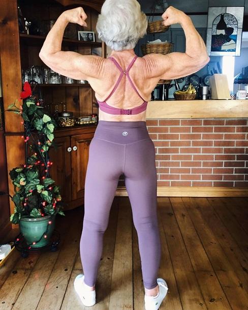 Жінка в 73 роки стала фітнес-моделлю - вражаючі світлини (3)