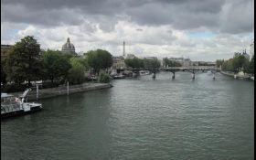 Из-за сильных дождей в Париже Сена вышла из берегов