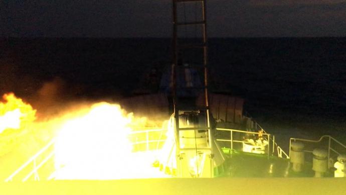 У мережі показали, як стріляють українські кораблі: вражаючі фото (1)