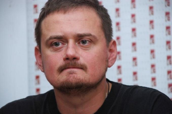 """Українського письменника """"покарали"""" за розповіді про російських туристів за кордоном"""
