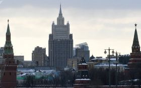 Не пытайтесь учить Москву: у Путина дерзко ответили на требование Меркель и Макрона