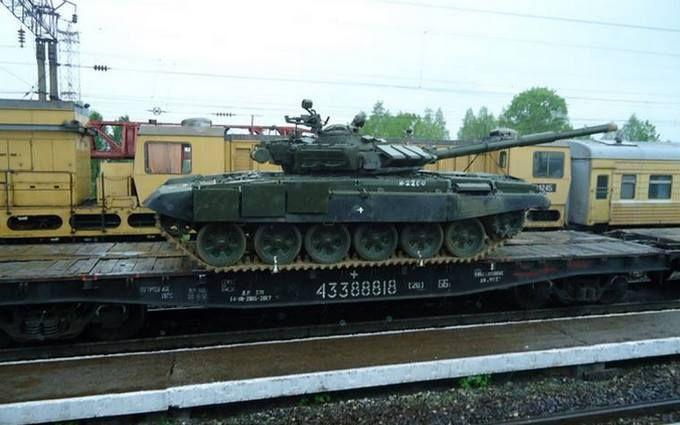 Росіяни ненавмисно зізналися, що возять танки на Донбас: з'явилися фото