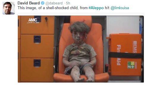 Мережу підірвало відео з сирійською дитиною, яка вижила після авіаудару Росії (2)