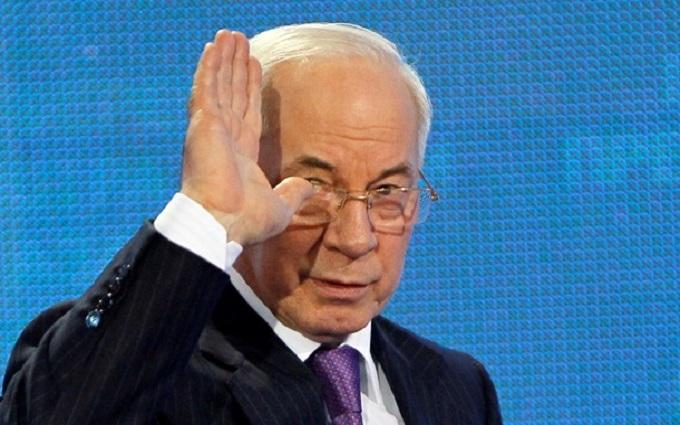 """Азаров пригрозил вернуться и """"спасти"""" Украину"""