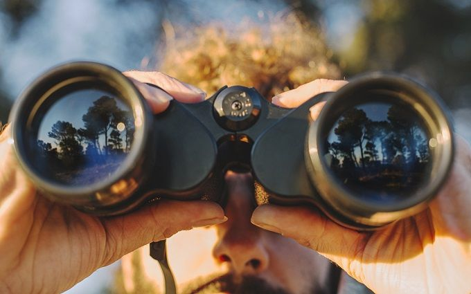 Думай как профессионал: Как выбрать бинокль для охоты и активного туризма
