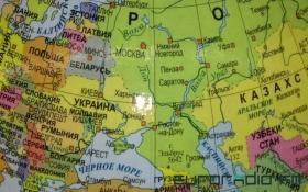 """У Білорусі знайшли глобуси з """"російським"""" Кримом: опубліковано фото"""