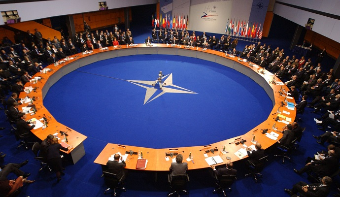 НАТО ждет одобрения для увеличения присутствия в Восточой Европе - Генсек