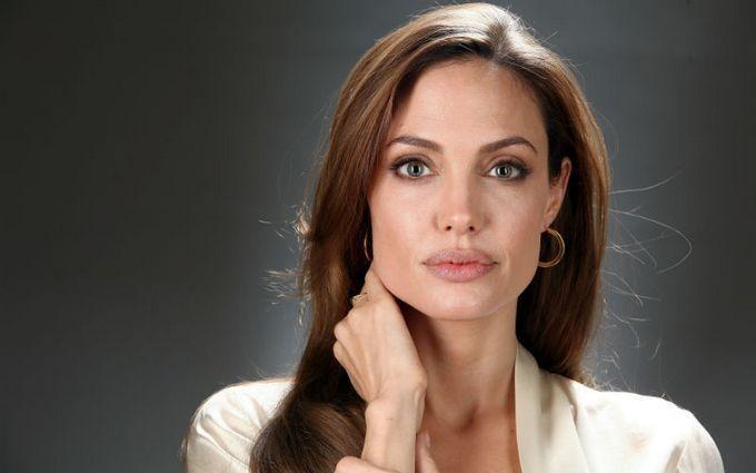 Анджелину Джоли хотят лишить родительских прав: появились подробности