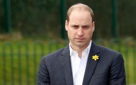 Принц Вільям ледь не заснув під час молитов: опубліковано відео