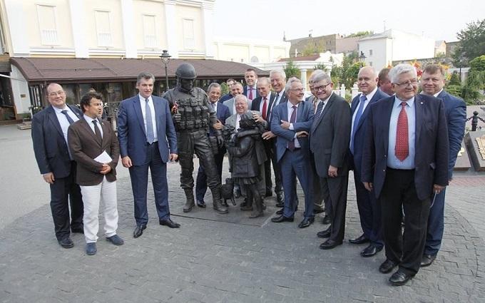 В Україні видали відповідь на візит французьких депутатів до окупованого Криму