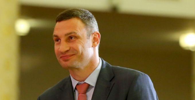 Усик объявил опланах провести бой собидчиком Кличко