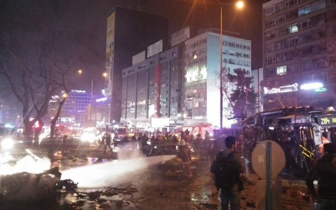 В столице Турции прогремел взрыв, десятки погибших: фото и видео с места теракта