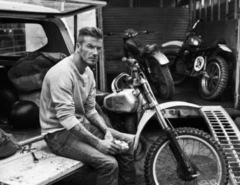 Дэвид Бекхэм (David Beckham) в фотосессии Джоша Олинса (Josh Olins) для журнала Esquire UK (сентябрь 2012), фото 5