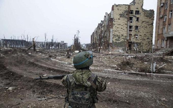Донецьк знову потрясли потужні бої: опубліковано відео