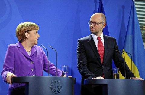 Меркель напередодні візиту Яценюка: Німеччина буде інвестувати в Україну після боротьби з корупцією (1)