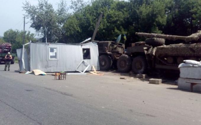 На Донбасі сталася ДТП з бойовою технікою, є загиблий: з'явилися фото