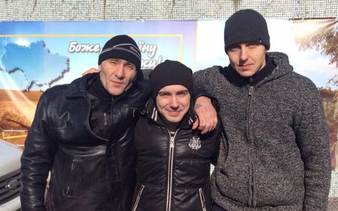Четверо украинских военных освобождены из плена боевиков: опубликованы фото