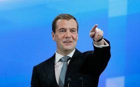 Фантазії і постановка трюків: Держдума не перевірятиме інформацію про корупцію Медведєва