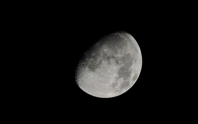 Японці зібрали десятки мільярдів інвестицій в рекламу на Місяці