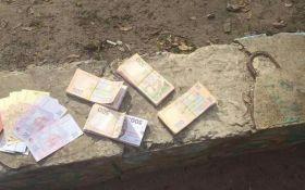 В Харькове задержали взяточника, который за 200 тысяч хотел приобрести остановку