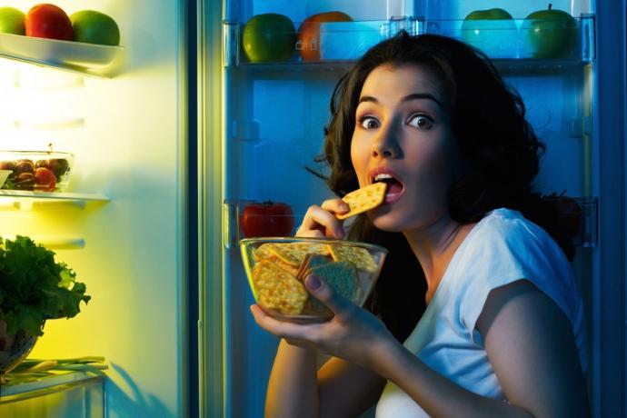 Несколько советов, которые помогут научиться не переедать на ночь (6 фото)