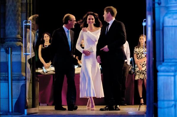 Герцогиня Кембриджська вразила всіх сміливим вбранням: опубліковані фото (1)