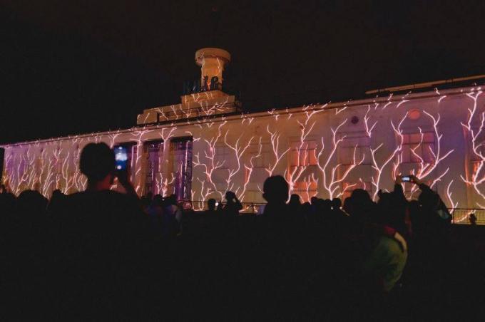 В Киеве открылся международный световой фестиваль: опубликованы зрелищные фото и видео (3)