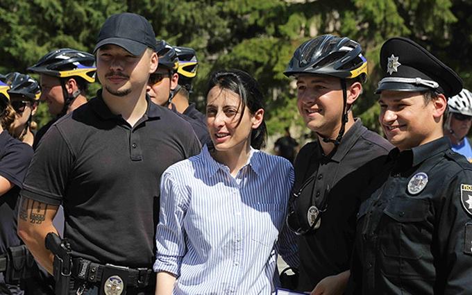 У Києві Деканоїдзе запустила велопатрульних: з'явилися фото і відео