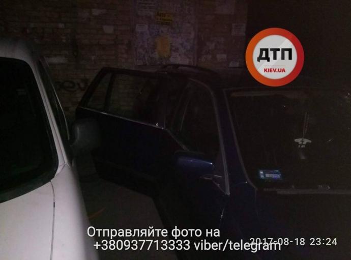 В Киеве неизвестные со стрельбой похитили мужчину: опубликованы фото (2)