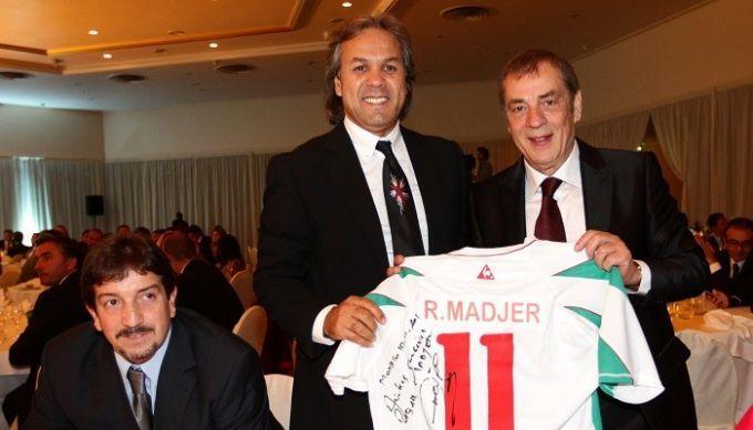 Маджер может в четвертый раз возглавить сборную Алжира