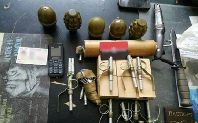 Вметро столицы Украины задержали мужчину совзрывчаткой