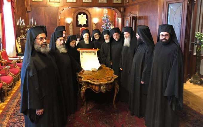 Томос об автокефалии возвращается в Украину: его подписали все члены Синода Вселенского патриархата