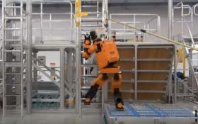 Компанія Honda створила робота-рятувальника у зріст людини: опубліковане відео
