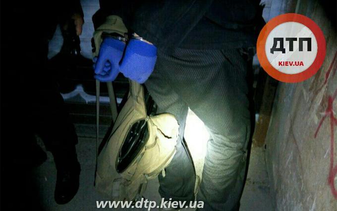 У Києві поліції довелося відстрілюватися від злодія: з'явилися фото і відео (1)