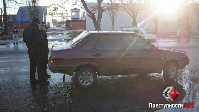 Пьяный депутат разъезжал по Николаеву: появились фото и видео (6)