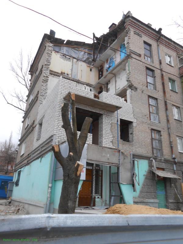 Ждал, когда этот Донбасс снесут c лица земли - рассказ луганчанина о жизни в ЛНР (3)
