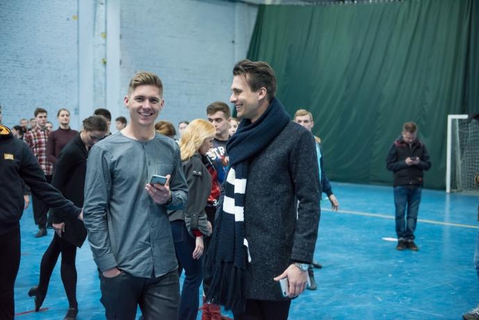 Ведущие Евровидения начали репетиции конкурса: появились фото (3)
