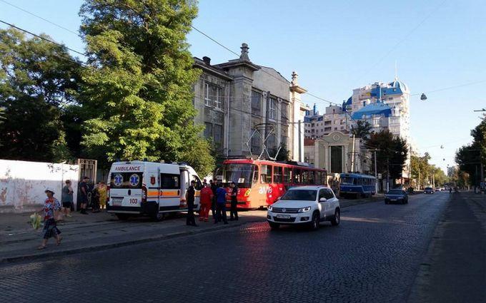 В Одессе устроили стрельбу прямо в трамвае: опубликованы фото