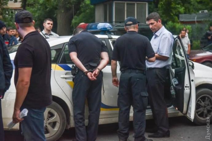 В Одесі за поліцейськими влаштували погоню зі стріляниною: опубліковані фото та відео (1)