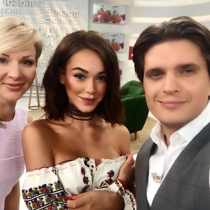 Українська співачка похвалилася раритетною вишивкою: опубліковані фото і відео (2)