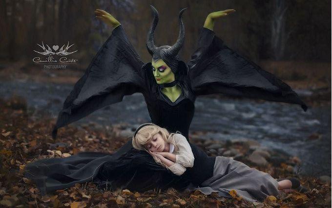 Мама и дочь восхитили сеть костюмами диснеевских принцесс: появились фото