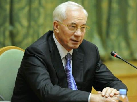 Азаров пообещал веб-камеры на избирательных участках