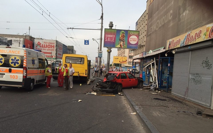 Жахлива аварія у Києві: з'явилося відео моменту