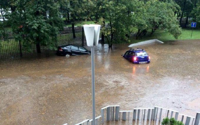 Операція НАТО пройшла успішно: соцмережі висміяли фото затопленої Москви